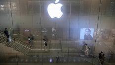 """""""Apple costringe a cambiare l'iPhone prima"""": il Tar del Lazio conferma le sanzioni Antitrust"""
