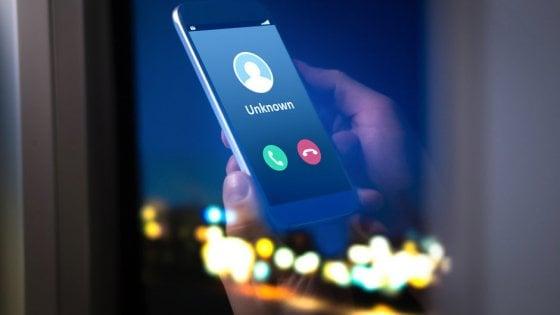 Crescono le frodi informatiche via telefono, è il momento de