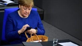 Merkel avverte Trump: non andrà al G7 negli Stati Uniti di persona
