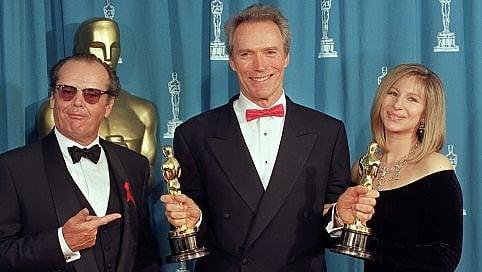 """Clint Eastwood """"con e senza cappello"""", i 90 anni dell'impassibile protagonista del cinema foto"""