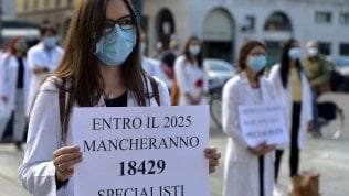 """""""La diseguaglianza è diventata ereditaria"""". Fabrizio Barca: """"Patto tra generazioni: 15mila euro a ogni diciottenne"""""""