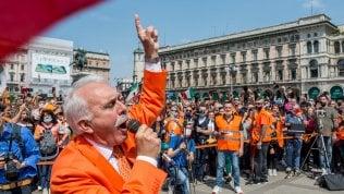 """Da Roma a Milano, fascisti ed ex forconi in piazza: """"Il virus è un'invenzione""""  di PAOLO BERIZZIIl ritratto Chi è Pappalardo, da generale dei carabinieri ai Gilet arancioni"""