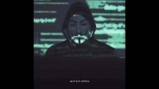 L'offensiva di Anonymous contro Trump e la polizia