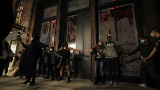 Proteste per la morte di Floyd, arrestata la figlia del sindaco di New York