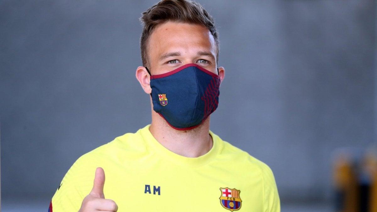 Juventus, un mese per il sì di Arthur: intanto il Barcellona lo 'scarica'