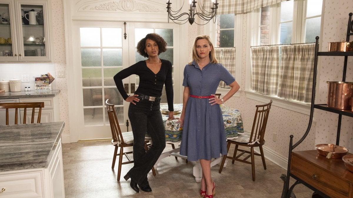 'Little fires everywhere', Reese Witherspoon e Kerry Washington 'Eva contro Eva' in un rogo