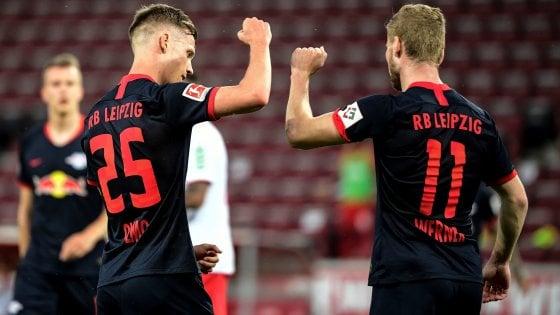 Bundesliga, il Lipsia cala il poker a Colonia: a segno anche Schick