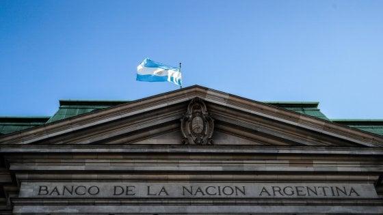 Argentina, stretta finale con i fondi per scongiurare il nono default