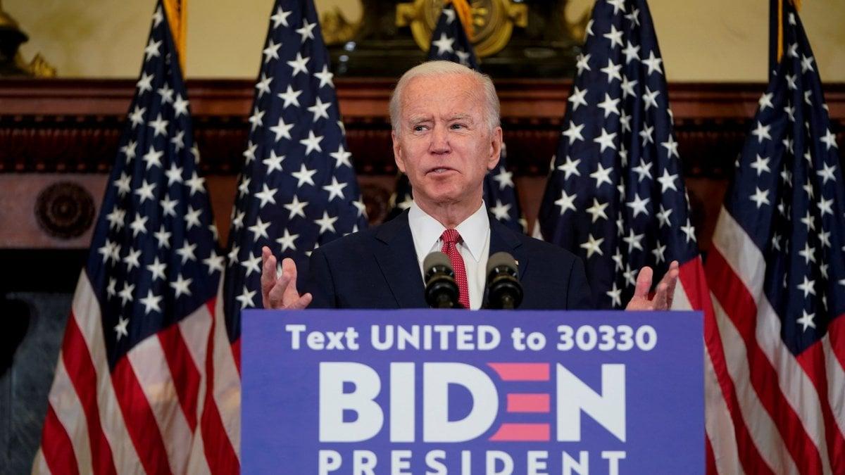 Elezioni Usa, Biden a un passo dalla nomination dem. Trump sposta la convention repubblicana