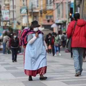"""Coronavirus, la Germania riapre agli italiani, l'Austria no. Bolsonaro: """"Mi spiace per le vittime, ma moriremo tutti"""""""
