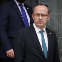 Kosovo, nasce il nuovo governo di Hoti. La sinistra radicale boicotta il voto