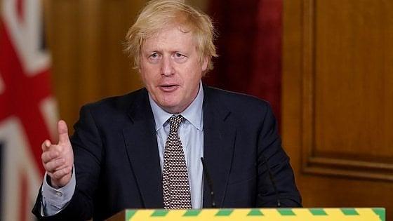 """Coronavirus, Regno Unito: """"Johnson disse a Conte di volere l'immunità di gregge"""""""