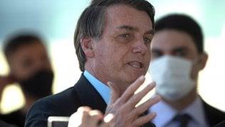 """Brasile, Bolsonaro: """"Mi spiace per le vittime, ma moriremo tutti"""""""
