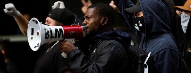 """Morte Floyd, l'accusa è omicidio volontario. E anche Snapchat """"censura"""" Trump"""