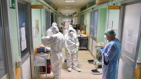 """Coronavirus: """"A marzo +48,6% morti, a aprile +33,6%"""""""