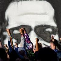 Morte Floyd, senza scontri la decima notte di proteste. Di Caprio e Kanye West donano...