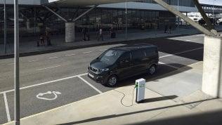 """Peugeot e-Traveller, viaggiare è """"elettrizzante"""""""