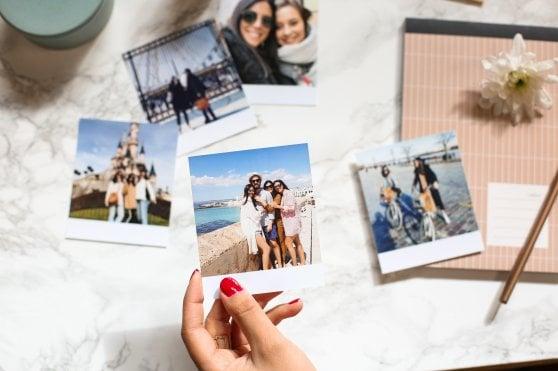 Gli italiani riscoprono le immagini su carta: stampa di foto digitali +331 %
