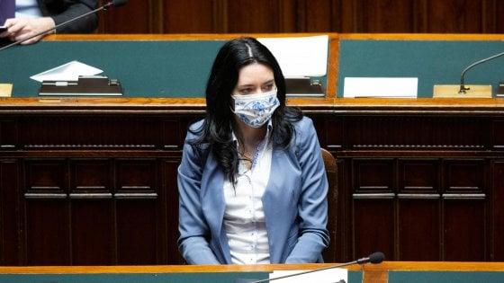 """Dl Scuola, via libera definitivo della Camera dopo le polemiche: è legge. Azzolina: """"Ora linee guida per settembre"""""""