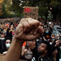 Morte Floyd, la solidarietà del mondo: migliaia in corteo dall'Australia al Giappone