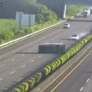 Tesla Model 3 Autopilot contro furgone ribaltato a Taiwan. Ecco cosa è accaduto