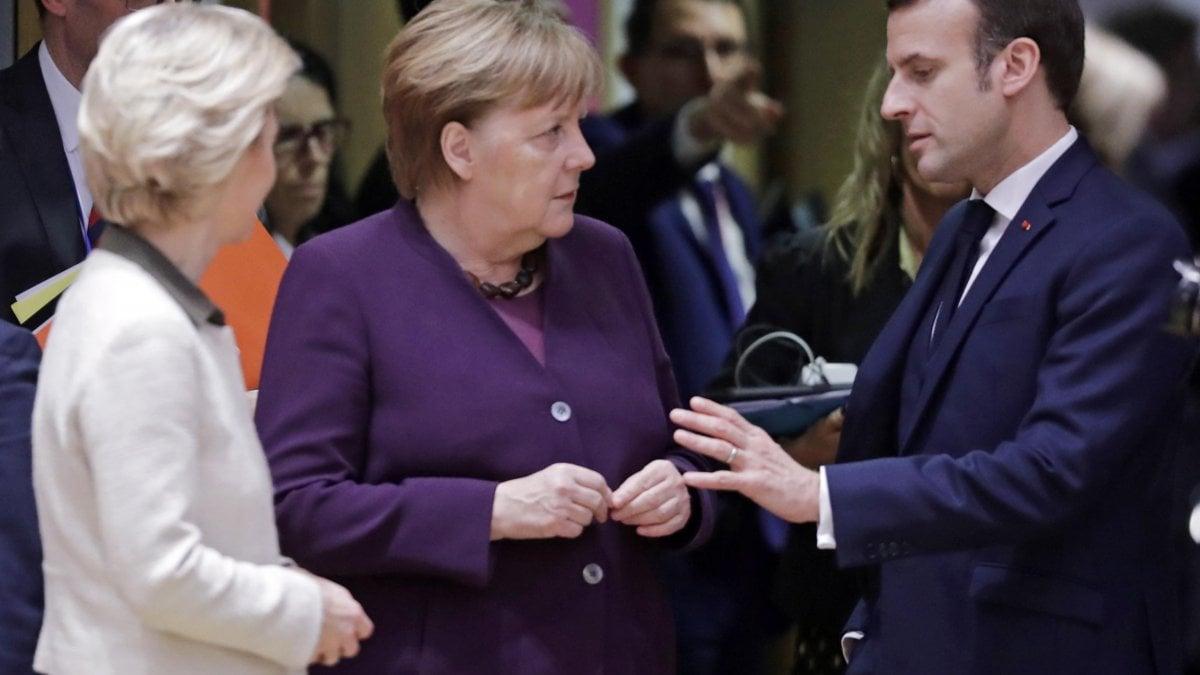 """Merkel e Macron alla Ue: """"Prepariamoci alla prossima pandemia"""""""
