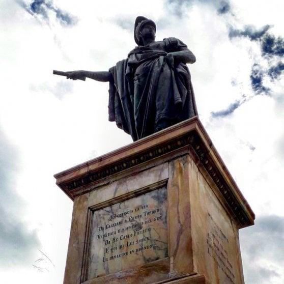 """Caso Floyd, la furia antirazzista diventa iconoclasta e corre sui social: """"Giù le statue"""""""