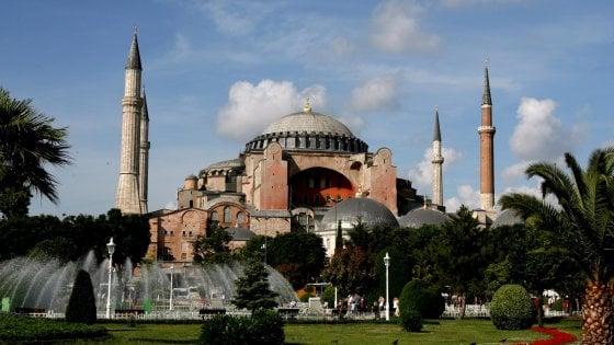 Istanbul, Erdogan ha deciso: Santa Sofia pronta a tornare moschea