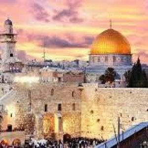 Spettro bancarotta per il Patriarcato latino di Gerusalemme: per salvarsi è costretto a vendere terreni