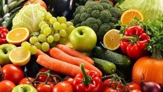 Studio italiano accerta la presenza di microplastiche in frutta e verdura