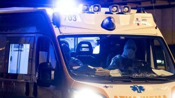 """Coronavirus: """"Ambulanze attese per ore"""", inchiesta sugli interventi del 118 di Bergamo"""