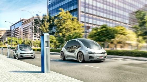 Il mercato delle auto intelligenti vale 1,2 miliardi di euro in Italia