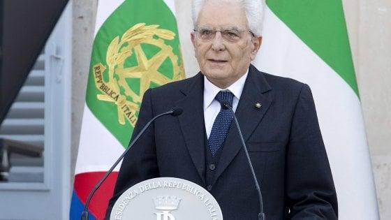 """Giustizia, Mattarella ai magistrati: """"Gravi distorsioni in decisioni Csm. Toghe chine su stesse"""""""