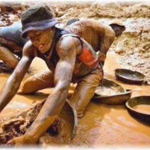 Nigeria, ecco come l'estrazione illegale dell'oro sta guidando i conflitti locali nel Paese africano
