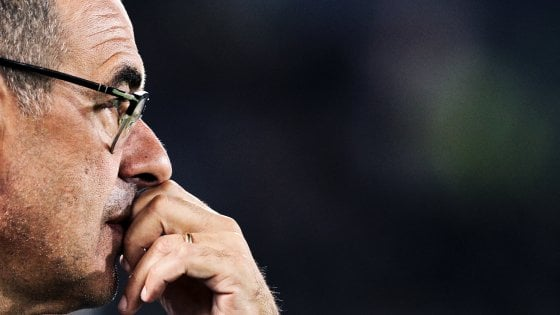 """Juventus, Sarri: """"Siamo primi in classifica, troppe critiche"""""""