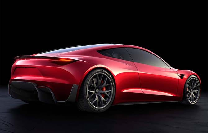 Tesla Roadster, pronta al decollo