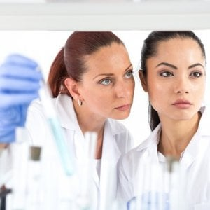 """Oncologi e pazienti: """"La norma sul conflitto d'interessi blocca la ricerca e l'innovazione delle cure"""""""