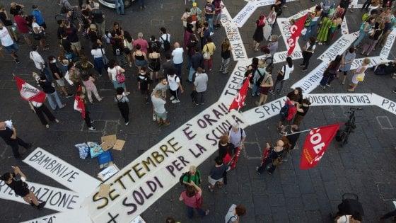 Scuola Le Proteste Nelle Piazze Vicini All Accordo Sulle Linee Guida Azzolina Chiede Al Governo Un Miliardo In Piu La Repubblica