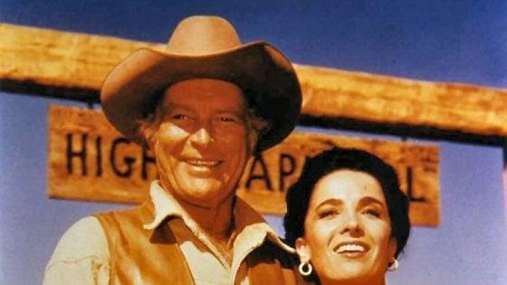 È morta Linda Cristal, star dei western e della serie tv 'Ai confini dell'Arizona'