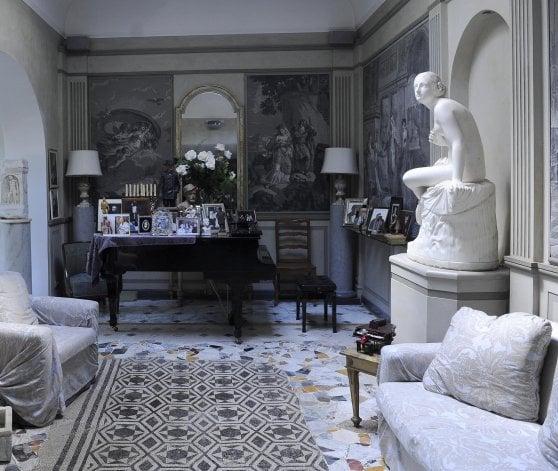 Berlusconi dà l'addio a Palazzo Grazioli per la villa di Zeffirelli sull'Appia
