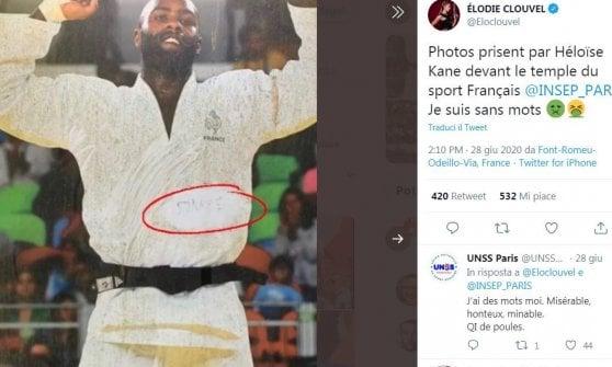 Parigi, rabbia per i graffiti razzisti sulle foto dei campioni francesi