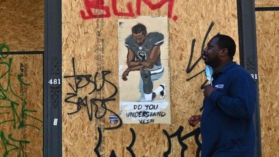 Nfl: Netflix racconta l'adolescenza di Kaepernick, il quarterback leader dell'antirazzismo
