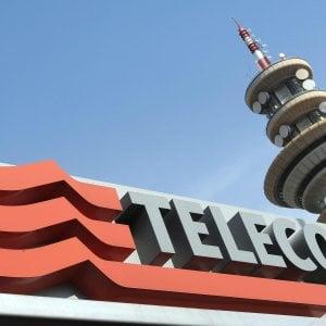 Tim-Open Fiber, la battaglia sulla banda larga diventa legale