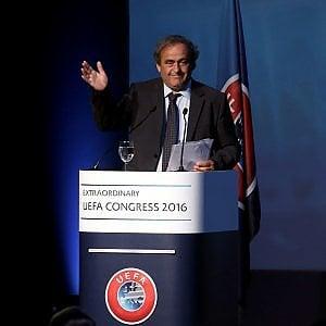 L'inchiesta su caso Fifa-Platini sfiora Emmanuel Macron