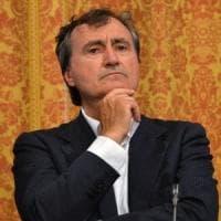 Venezia, il sindaco Brugnaro dona cinque anni di stipendi a 149 associazioni benefiche