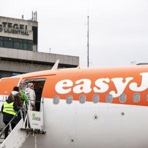 Compagnie aeree continuano i tagli: Ryanair verso la sforbiciata a 3 mila posti