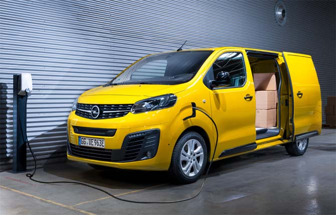 Vivaro-e, ecco il primo Van elettrico Opel