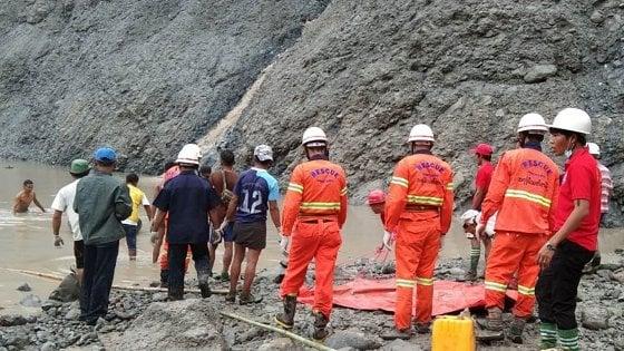 Myanmar, crollo in una cava di giada: più di 100 morti - la Repubblica
