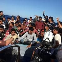 Ocean Viking ancora in mare con 180 migranti. Nessuno le dà il permesso di sbarco