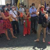 Donne in piazza come 40 anni fa, per aborto in day hospital e contraccezione gratuita
